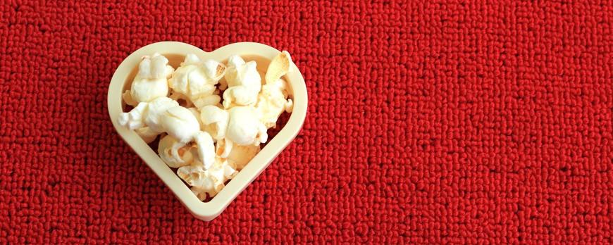 Celebra una boda de cine con palomitas de maíz y envases personalizados