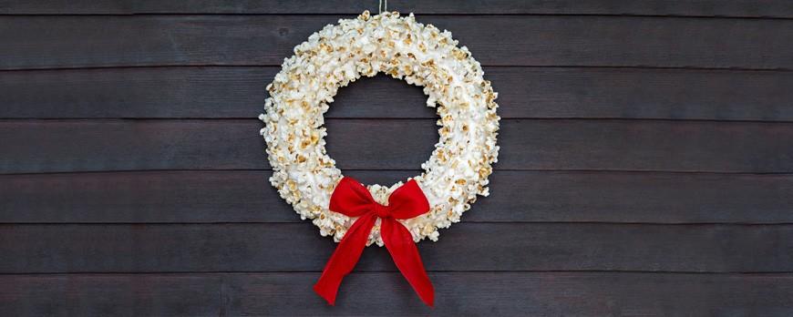 DIY: Crea adornos de Navidad con palomitas de maíz