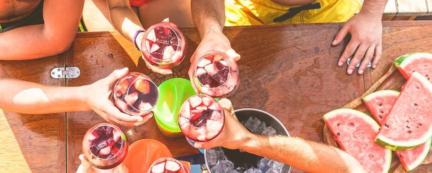 ¿Vas a vender sangría este verano en tu bar? Consérvala en una máquina enfriadora de bebidas