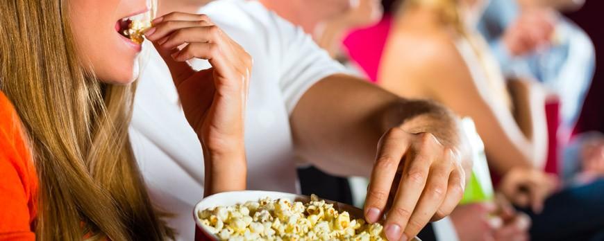 """5 razones por las que una película sin palomitas de maíz no es una """"buena película"""""""